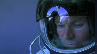 Illustration for article titled Felix Baumgartner's Supersonic Space Jump Has Been Aborted