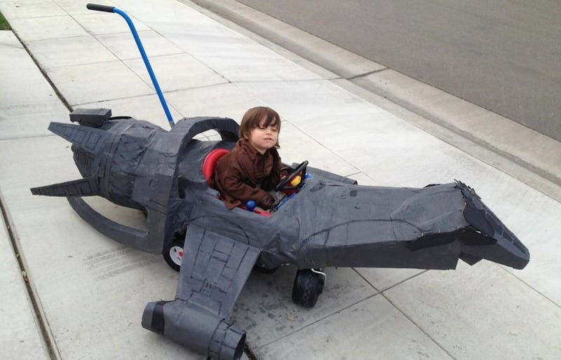 Illustration for article titled The tiniest, most adorable Firefly cosplayer is a little damn hero