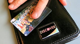 """Illustration for article titled Discover UsersCan Now """"Freeze"""" Misplaced Credit Cards"""