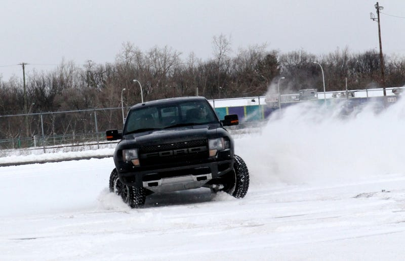 Illustration for article titled Hooning A Ford Raptor In The Snow