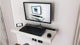 Illustration for article titled This DIY Floating Desk Saves Space, Slides Out When It's Time to Work