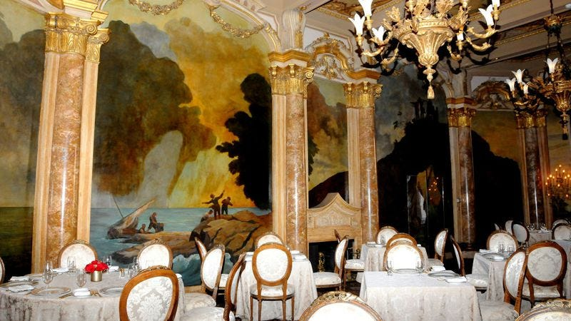 The dining room at Mar-A-Lago (Photo: Davidoff Studios Photography / Getty Images)