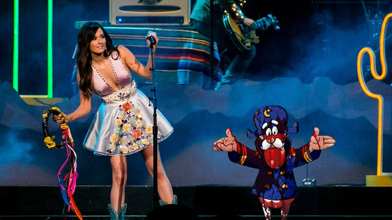 Illustration for article titled A Concert To Remember: Kacey Musgraves Invited Cap'n Crunch To Sing With Her On Stage Last Night Just As A Ruse To Dump Pig Blood On Him And Make The Crowd Laugh
