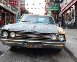 Illustration for article titled 1964 Oldsmobile F-85 A Fixture In San Francisco's Chinatown