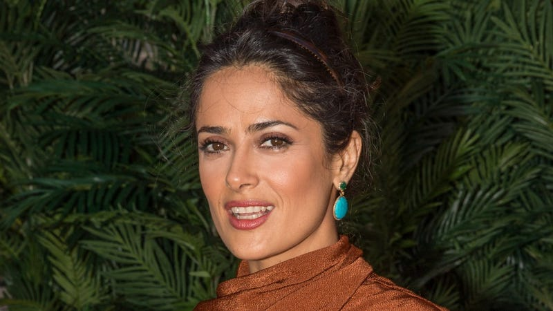 Illustration for article titled Duuuude: Salma Hayek Considered Her Baby Weight a 'Disfigurement'