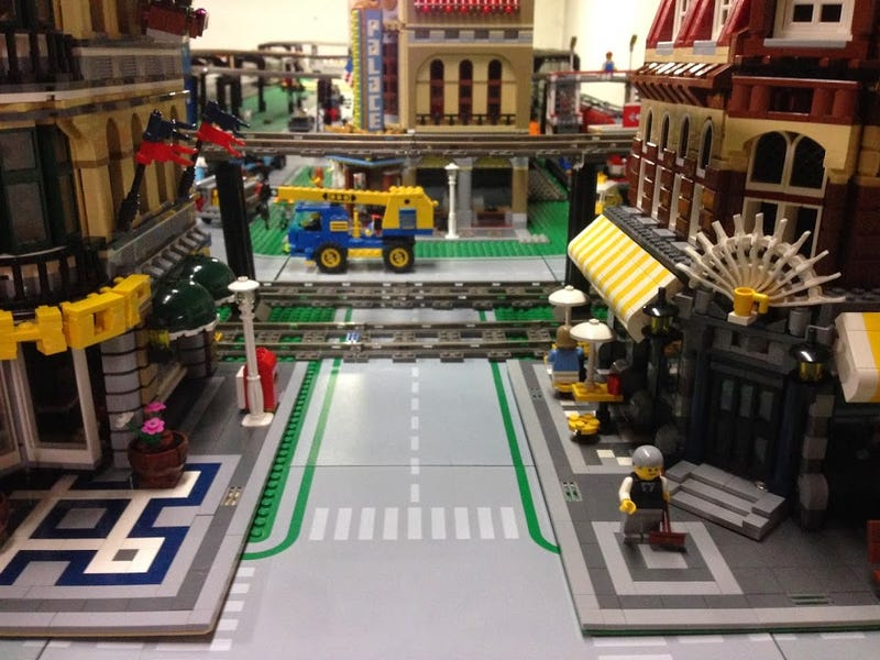 Illustration for article titled This all-LEGO train depot proves that everything really is awesome.