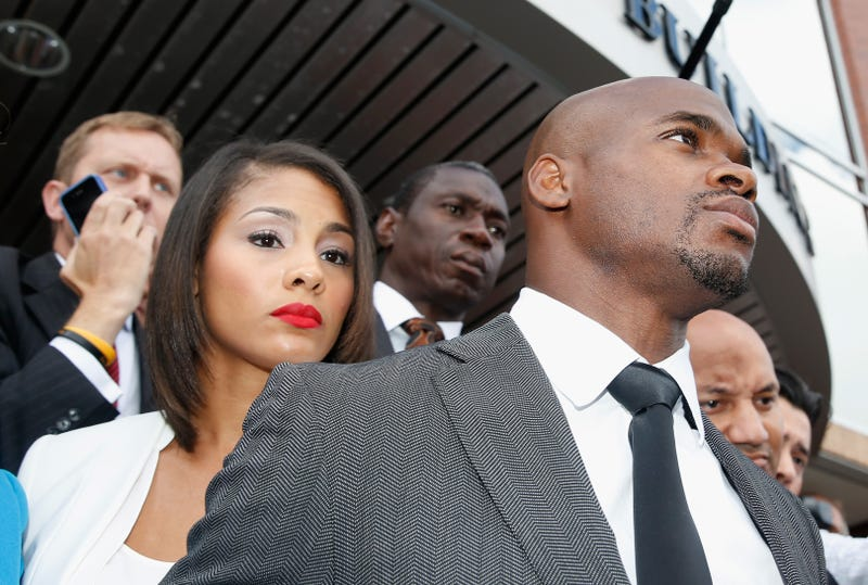 Illustration for article titled Report: Adrian Peterson Skips Previously Agreed To Hearing With NFL