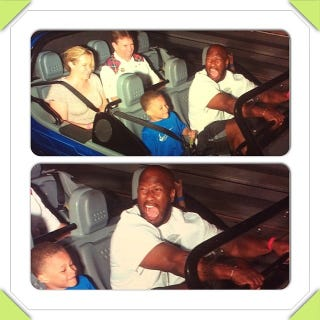 Illustration for article titled Photo Evidence That James Harrison Is Terrified Of Roller Coasters