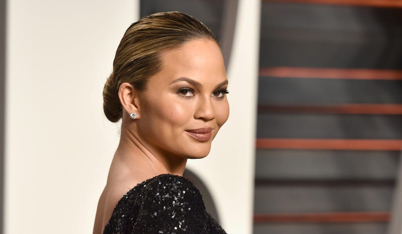 Illustration for article titled Chrissy Teigen Is Really Looking Forward to Labor