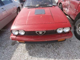 Illustration for article titled Anyone looking looking for an Alfa GTV6 that needs rescuing?