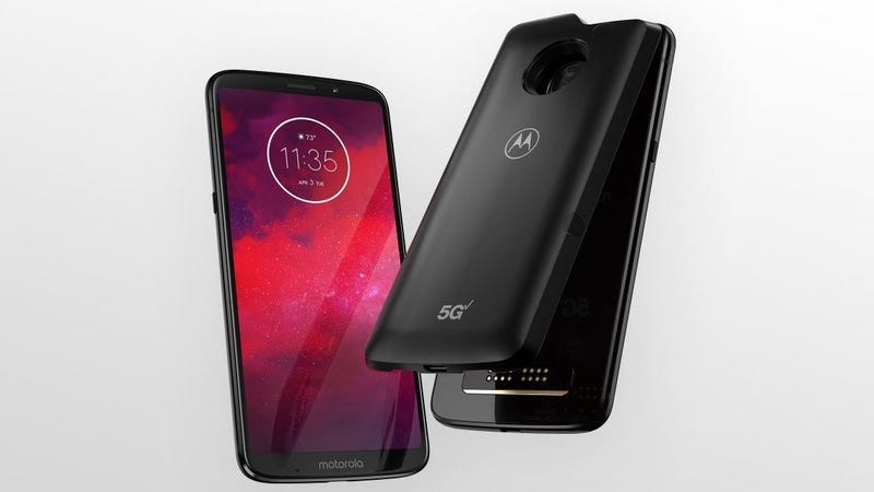 Illustration for article titled Motorola Thinks It's Got the First 5G Phone—and Here's the Mod That's Making It Happen