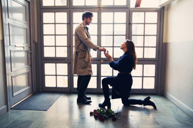woman proposes man