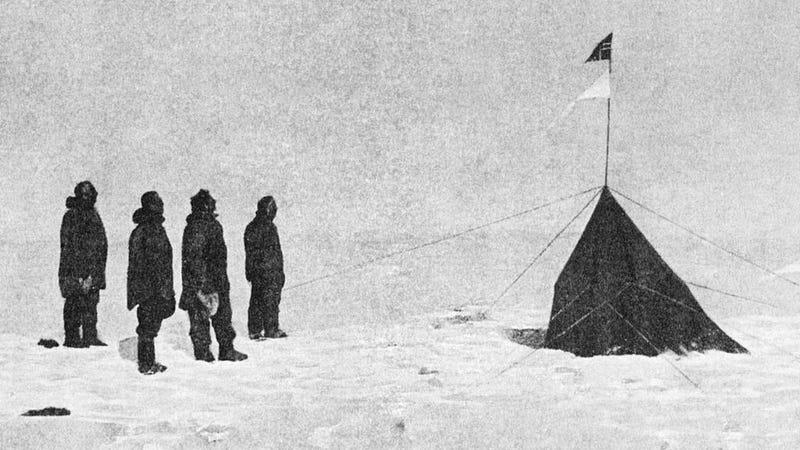 Roald Amundsen's crew at the South Pole, December 14, 1911. (Image: Roald Amundsen/Public Domain)