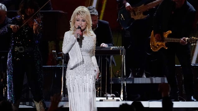 "Dolly Parton on #BlackLivesMatter: ""Do we think our little white asses are the only ones that matter? No!"""