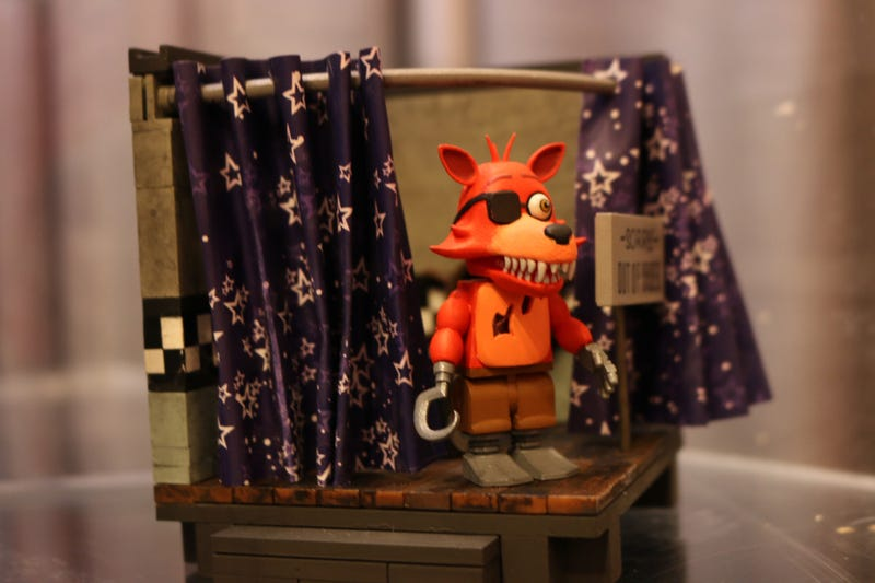 Illustration for article titled Five Nights At Freddy's Build-A-Horrible-Animatronic-Bear Sets Even Creepier In Person
