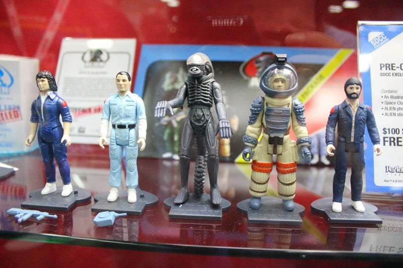 Illustration for article titled Alien Toys at Comic Con