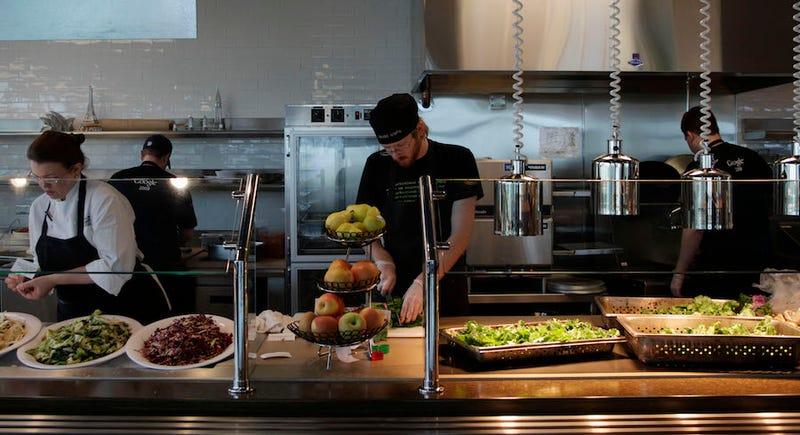 Las cafeterías gratis en San Francisco están causando alarma en el sector de hostelería y restauración.