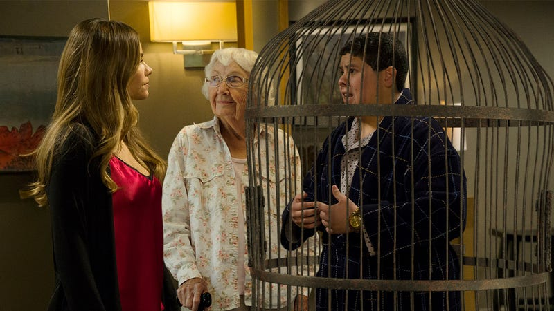 Illustration for article titled 4 Episodes of'Modern Family'Where Manny Married A 90-Year-Old Woman Who Kept Him In A Birdcage And His Parents Forced Him To Get A Divorce
