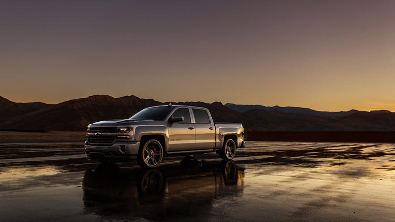 Illustration for article titled The 2018 Chevy Silverado Performance Concept Has A Battle-Ready Supercharged V8 Heart Of Fury