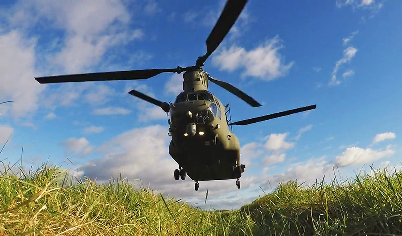 Illustration for article titled This Ant's-Eye View Of A CH-47 Chinook's Landing Zone Is Pretty Sweet