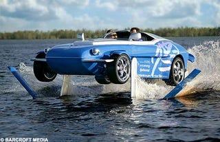 Illustration for article titled Rinspeed Splash Sports Car Walks On Water