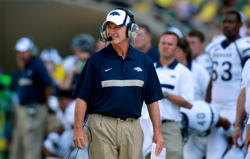 Illustration for article titled Chris Ault, Creator Of The Pistol Offense, Will Leave Nevada After 28 Years