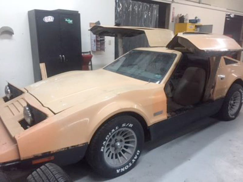 Illustration for article titled This 1975 Bricklin SV-1 May Be Your Cheapest Way Into Gull-Wing Ownership