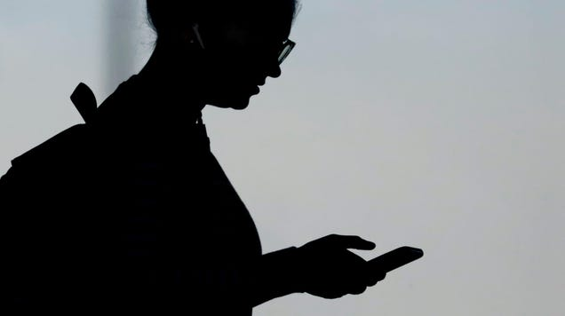At Least 20 VPN and Ad-Blocking Apps With 35 Million Downloads Actually Monitored Users  Phones