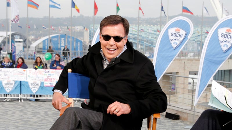 Illustration for article titled 5 Times Bob Costas Tried To Give Himself Pink Eye Again Since The 2014 Winter Olympics