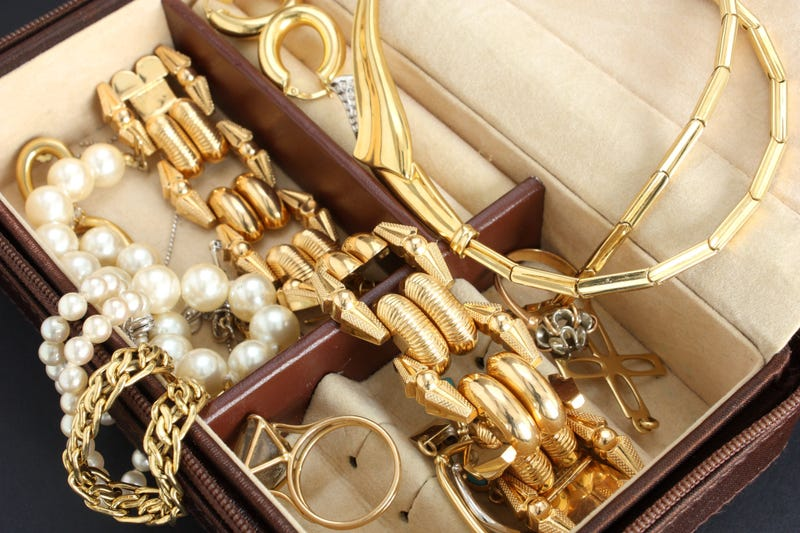 How to Sell Your Used Jewelry for Cash