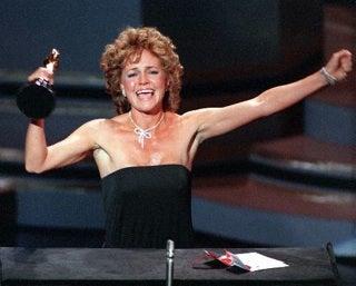 Illustration for article titled Jezebel Oscar Coverage Begins At 6PM EST Tonight!