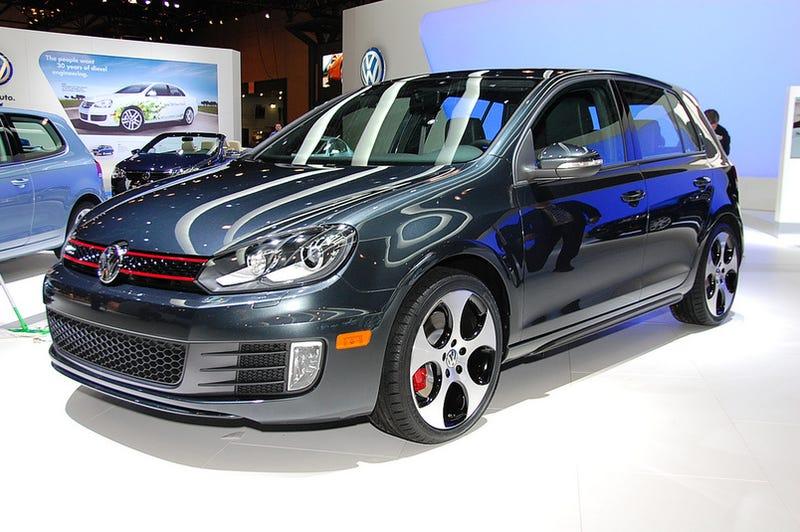 2010 vw golf gti new look same car. Black Bedroom Furniture Sets. Home Design Ideas