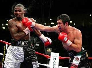 Yusaf Mack andLibrado Andrade in the seventh round of their super-middleweight fight at the Mandalay Bay Events Center Oct. 6, 2007, in Las VegasEthan Miller/Getty Images
