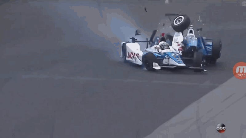 El estremecedor accidente de Scott Dixon en las 500 millas de Indianápolis