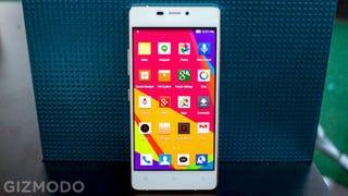 Illustration for article titled Probamos el Vivo Air, un smartphone imposiblemente fino, ligero y barato