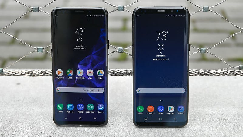 Here are the screens from the past two Galaxy S phones. It's time for a change.