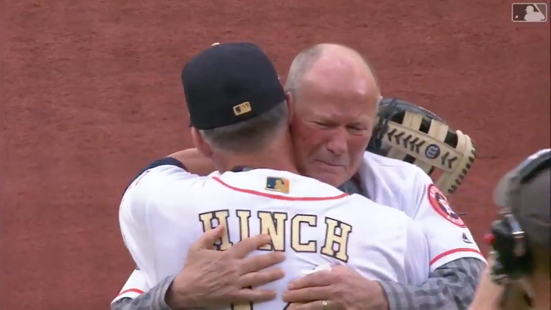 Illustration for article titled Former Astros Coach Rich Dauer Throws Emotional First Pitch After Nearly Dying During Last Year's Championship Parade