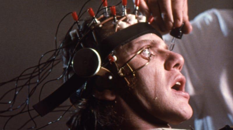 Illustration for article titled Hell yeah those eyelid clamps hurt, confirms A Clockwork Orange's Malcolm McDowell