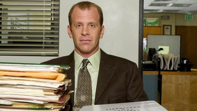 Illustration for article titled Today in potential omens of The Office's demise: Paul Lieberstein steps down as showrunner, Ed Helms joins Mindy Kaling's pilot