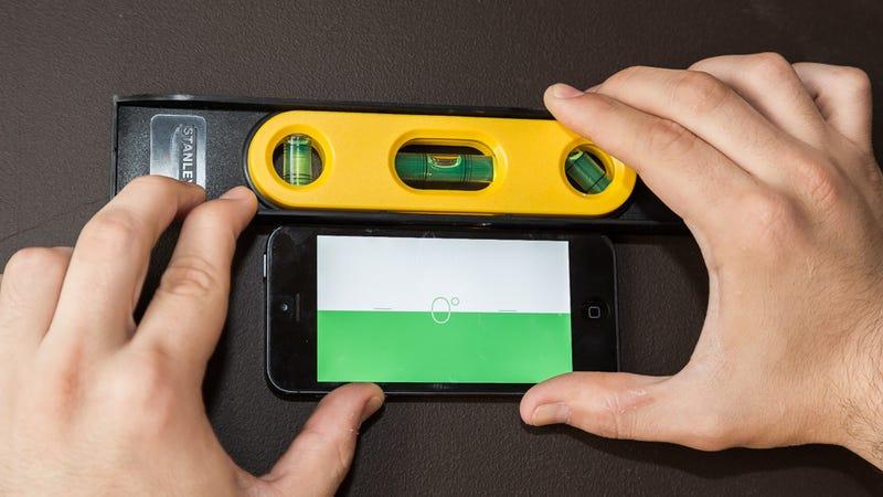 iphone-spirit-bubble-level-compass-app-iphone-hacks