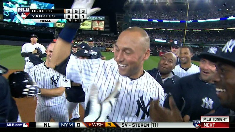 Illustration for article titled Derek Jeter Hits Walk-Off In Final At-Bat At Yankee Stadium