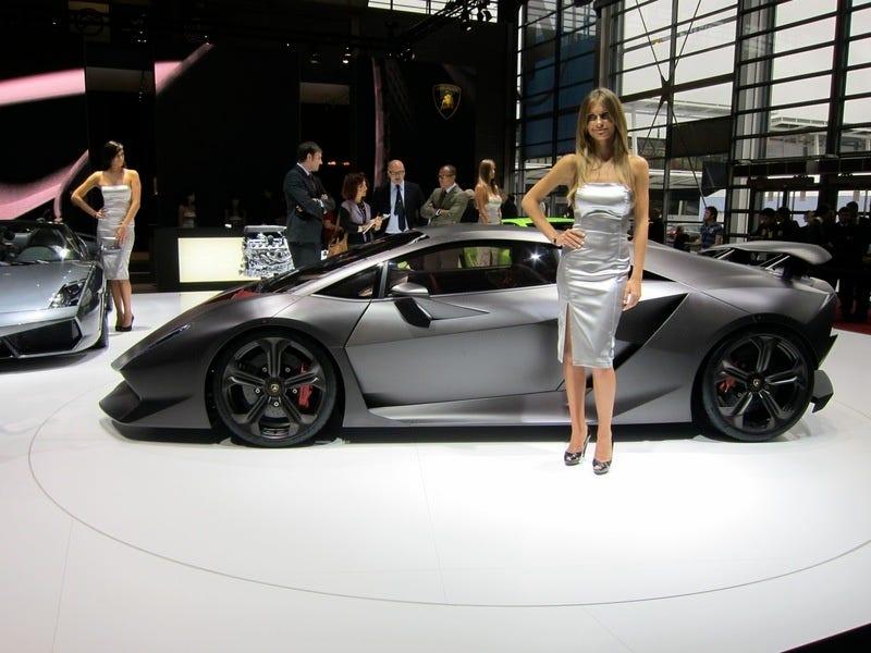 Illustration for article titled Lamborghini LP700-4: 700 HP, V12-Powered Murcielago Replacement