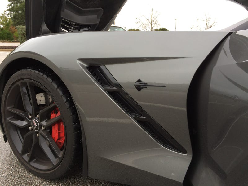 Illustration for article titled How I Was Able To Get A Hold Of A 2015 C7 Corvette To Drive