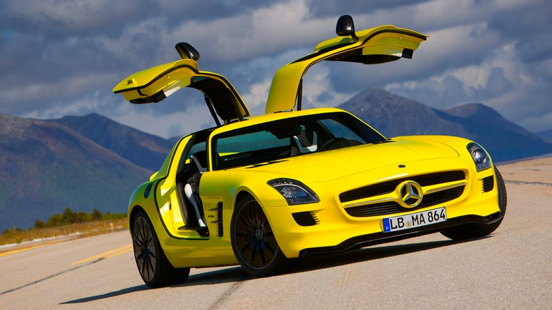 Illustration for article titled Diesel Mercedes SLS AMG CDI Coming To Paris? (UPDATE: Of Course Not)