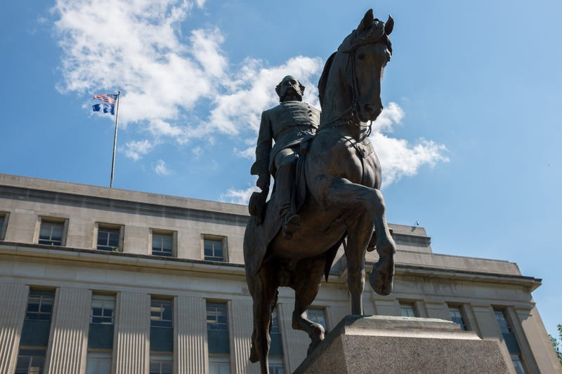 A statue of Confederate cavalry leader and slave owner Wade Hampton III at the South Carolina Statehouse (Epics/Getty Images)