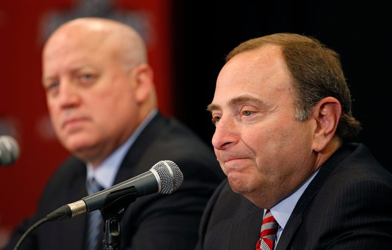 Illustration for article titled Unsealed NHL Emails Show Gary Bettman Discussing The Effects Of Fighting And Concussions