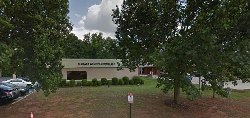 Illustration for article titled Alabama Legislature Passes Law Banning Abortion Clinics Located Near Public Schools