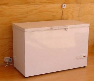 Illustration for article titled Convert a Chest Freezer into a Super-Efficient Refrigerator