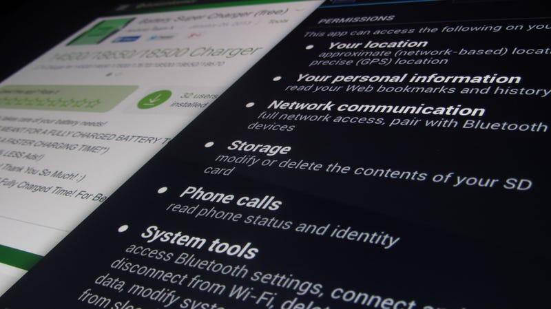 Illustration for article titled Así es como un malware disfrazado de app en Android es capaz de robar 1.000 euros de una cuenta de PayPal en 5 segundos