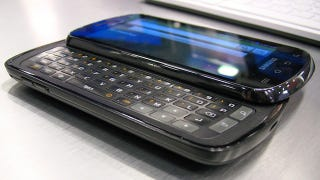 Illustration for article titled Samsung Stratosphere Hands On: For Keyboard-Loving Internet-Hounds